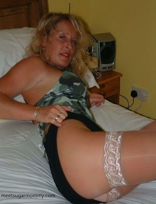 Cougar Hookup Site With Free Messaging