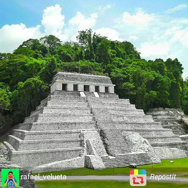 Maravillosa Fotografía!  Felicidades!  Sigue colaborando en nuestra galería.  Visita México etiquetando @Mexico_Tour o usa el tag #mexico_tour ******************************************** Autor: @rafael_velueta  Lugar : Palenque, Chiapas.  Selección por @samayv  #archeology #Chiapas #México