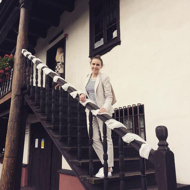 Exploring the exceptional city hall in Sulmierzyce Poland  . . . #sulmierzyce #wielkopolska #igerspoland #igerseurope #igerseu #welivetoexplore #teamwanderlust #timeoutsociety #travelcommunity #wearetravelgirls #girlslovetravel #girlsborntotravel #femmetravel #thetravelwomen #ladiesgoneglobal #exceptional_pictures #wonderful_places #beautifuldestinations #travel_drops #mobilnytydzienwakacje