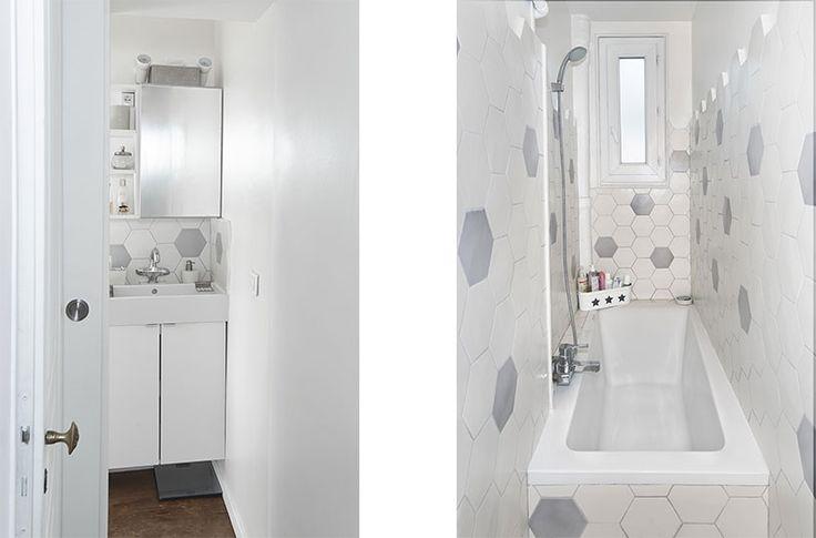 la salle de bain se dévoile dans le fond de la pièce - l'espace résiduel coincé entre deux mur porteurs devient la salle de bain  //crédit photo : Dorian Huet