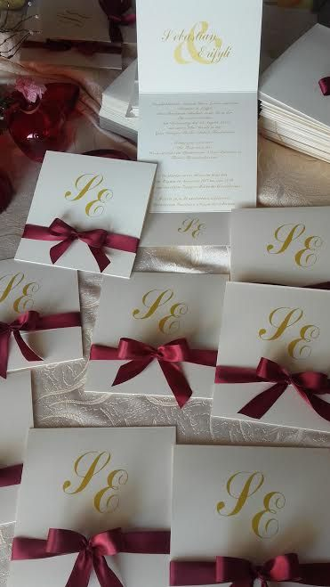 luxurious wedding invitation in gold and burgundy colors! ideatoevents.com