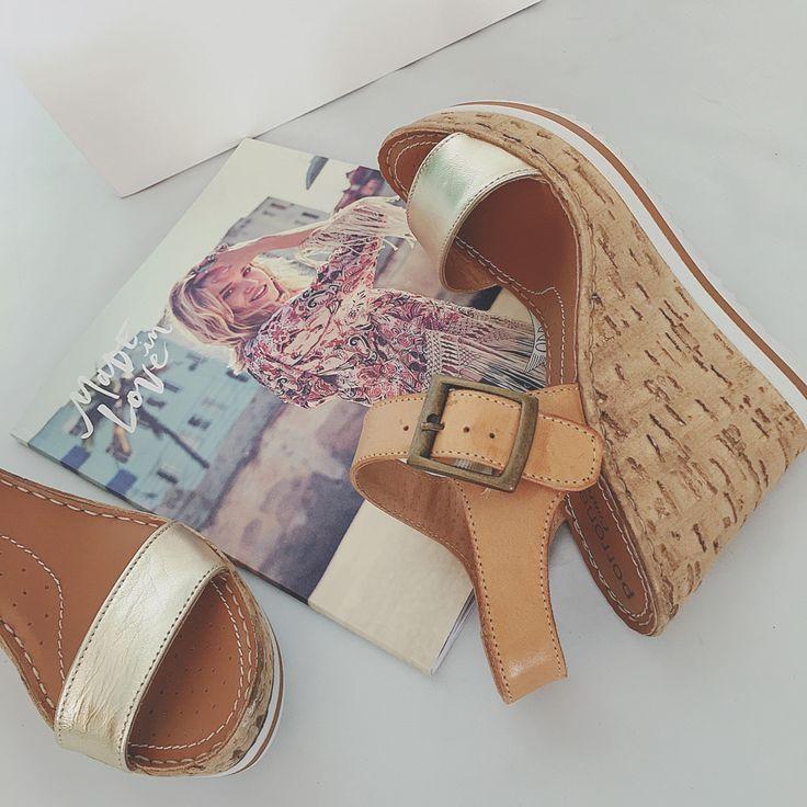 Un estilo urbano y elegante para llevarlo este verano. Nos encantan las nuevas #sandalias Porronet Shoes.