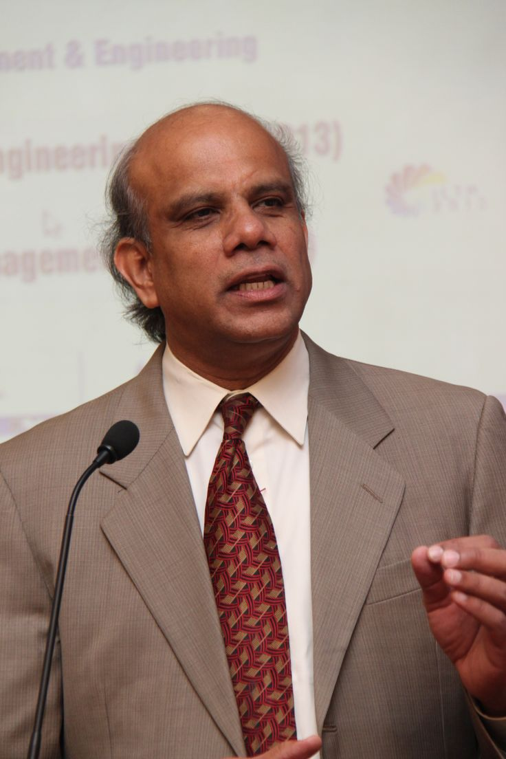 Dr. Gurumurthy Kalyanaram was the Director of Faculty Research leading the research efforts of the faculty in increasing productivity through working papers, published papers, research conferences and monographs.