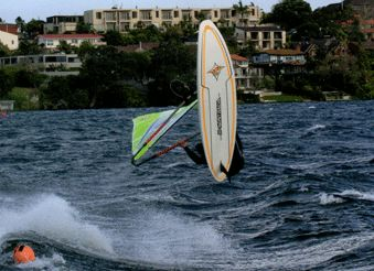 Welcome to The Madloop Windsurfing School and Windsurf Centre