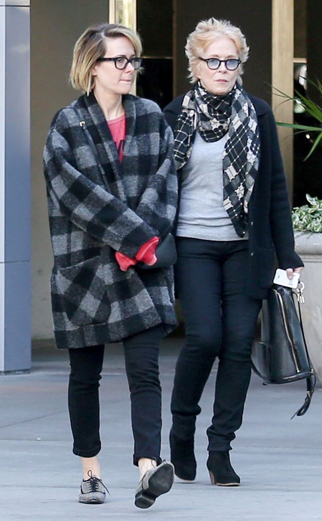 Sarah Paulson & Holland Taylor from The Big Picture: Today's Hot Pics The bundled-up couple enjoy a movie date.