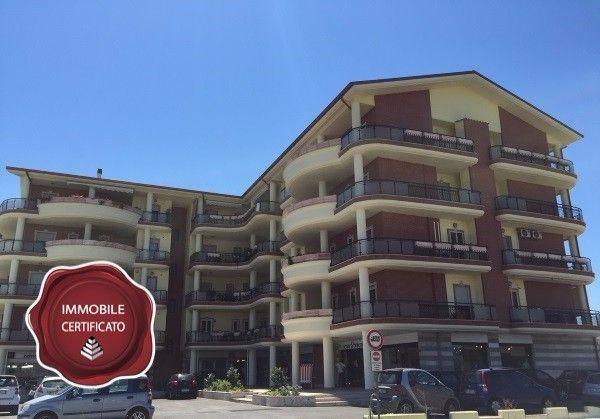 Vendita Attico / Mansarda in via Fausto Melotti Roma. Ottimo stato, cinque piani, posto auto, terrazza