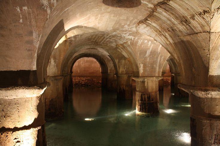 Tout le monde aimerait visiter les souterrains de Lyon... S'il est possible d'organiser une visite guidée pour certains, c'est impossible pour d'autres.
