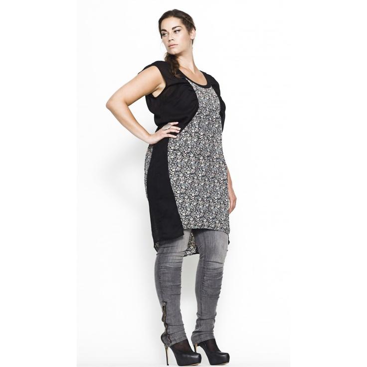 Carmakoma - Salix - Curvy fashion look.