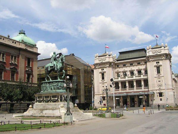 Private transfers between Budapest and Belgrade: http://transferbudapesthungary.com/budapest-to-belgrade-transport-transfer-taxi.html