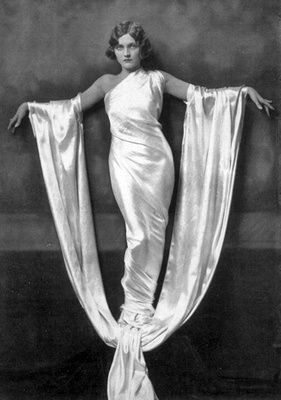 Ziegfield Follies portrait | via Maybelline Book