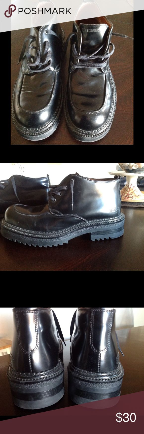 NWOT MENS BLACK LEATHER CHUKKAS/ BOOTS SIZE 10.5 LEATHER BOOTS FROM SKECHERS, MADE IN ITALY SIZE 10.5, these boots are heavy. My husband only walked around in the house. Skechers Shoes Chukka Boots