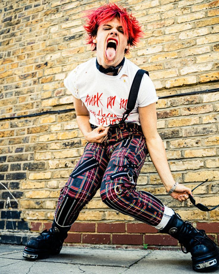 Pin by Rachel Taylor on Yungblud   Aesthetic grunge outfit ...