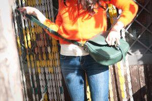 In questa immagine Federica Ercolano indossa una Catana Media colore Verde