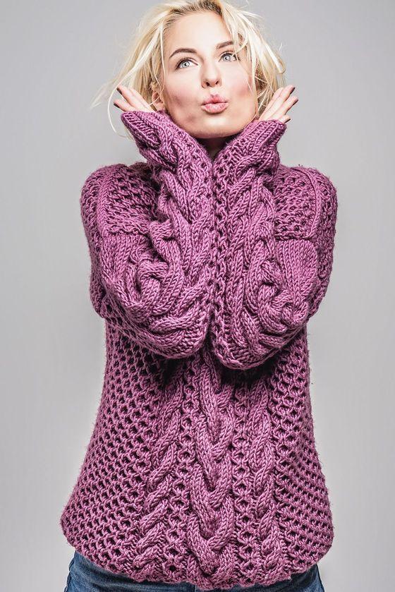Для зимних свитеров это может быть шерсть или мохер, немного разбавленные искусственным материалом