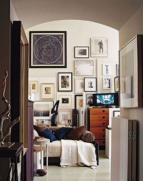 Thomas O' Brien's Home. One of my favorite gallery walls.