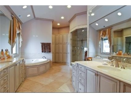 Big beautiful bathroom beautiful bathrooms pinterest for Pictures of beautiful small bathrooms