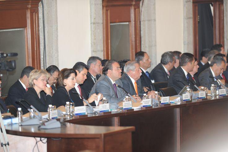 Durante la Sesión del Consejo Nacional de Seguridad Pública, se reconoció al estado de Veracruz por parte de la procuradora Marisela Morales Ibáñez, pues dijo que Veracruz está apoyando a la federación en la creación de una base de datos única de homicidios dolosos.