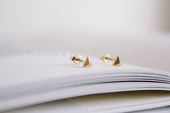bling gold solid  cartilage small triangle earrings ED006