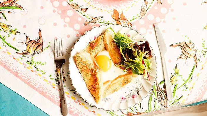 Buckwheat crêpes with eggs (galettes de ble noir a l'oeufs)
