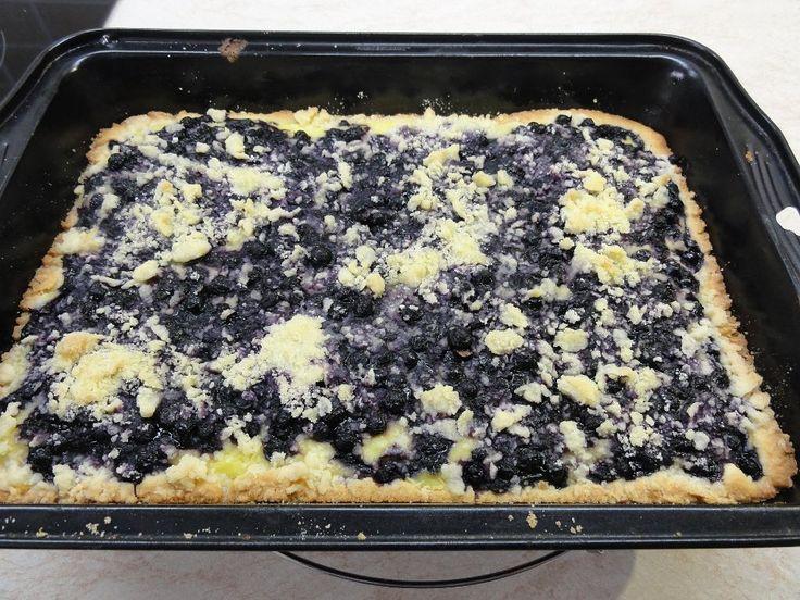 Borůvkový koláč pudinkem a žmolenkou +videorecept | Recepty a videorecepty
