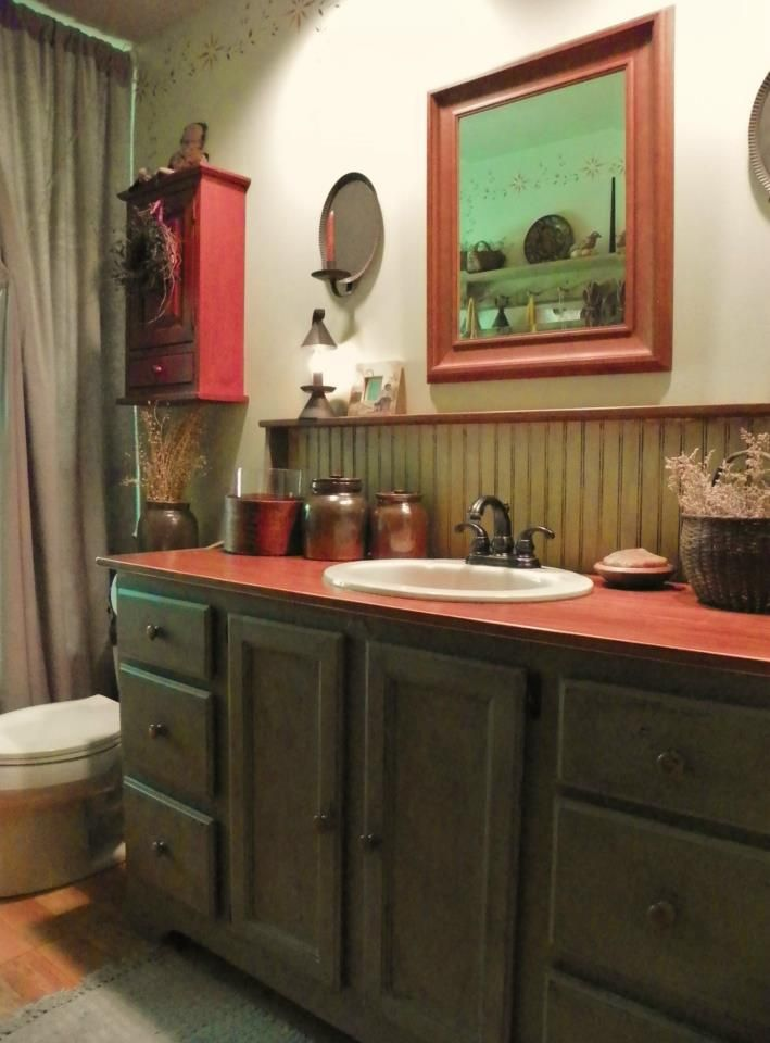 134 best images about colonial bathroom on pinterest for Country rustic bathroom ideas