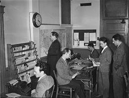 El periodismo tradicional estaba enfocado al uso de herramientas que fueron descubiertas para el uso de grabaciones y visualizaciones, no dejando atrás la escritura la cual fue una de las funciones iniciales del hombre para comunicarse.