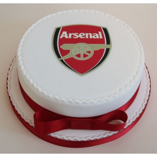 Arsenal cake.. obviously without the bow!