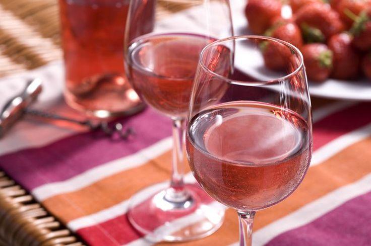 How to Make Scrumptious Strawberry Wine
