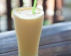 Milkshake exotique ananas et mangue (facile, rapide) - Une recette CuisineAZ