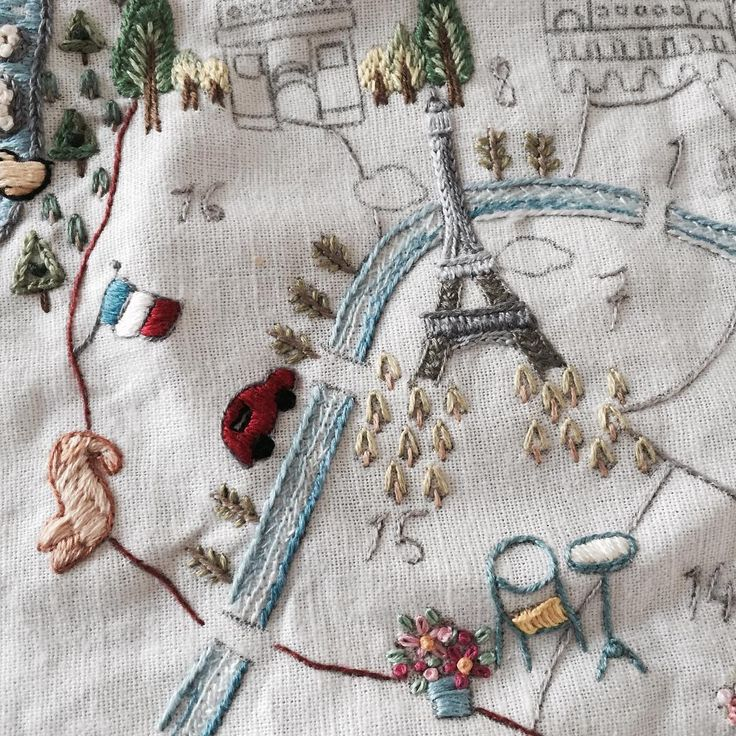 에펠탑 하나 짓고 이제 장보러 가자 오늘 스페셜 메뉴는 -아스파라거스 스프 -바질페스토 파스타 -바베큐 오렌지 크림소스 스테이크 우히힛✌️✌✌…