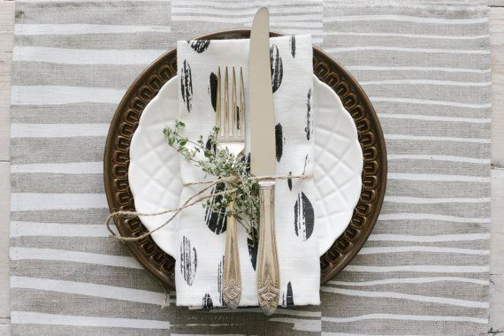 Black on white Drops patterned napkins combine well with other Keephouse linen housewares to create an atmosphere of simple, considered hospitality. Hand printed in Nova Scotia with organic inks on 100% linen. Peruse products and styles at keephousestudio on Etsy.
