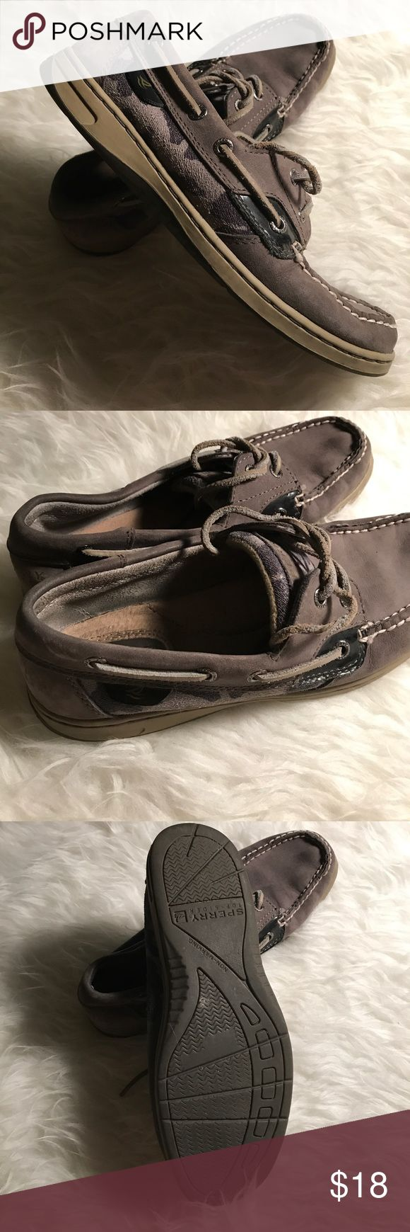 Gray Sperry Boat Shoes Practically new gray Sperry boat shoes! Sperry Top-Sider Shoes Flats & Loafers