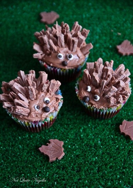 hedgehog cupcakes | This is really more of a treat for one specific person who's not on Pinterest. :)