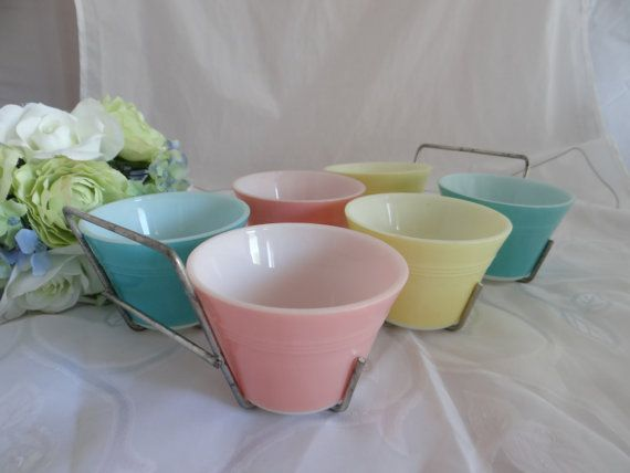 RARE Pyrex Pastel Custard Cups with Rack  by SecondWindShop