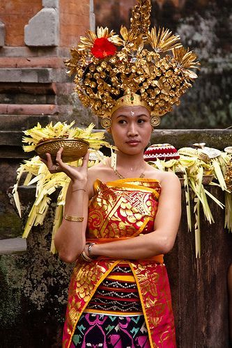 Balinese beauty. Photograph by Ismail ilmi on Flickr