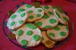Yoshi Egg Cookies (As well as other Princess Peach party ideas)