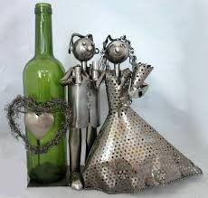 Fém bortartó, ifjú pár, esküvő