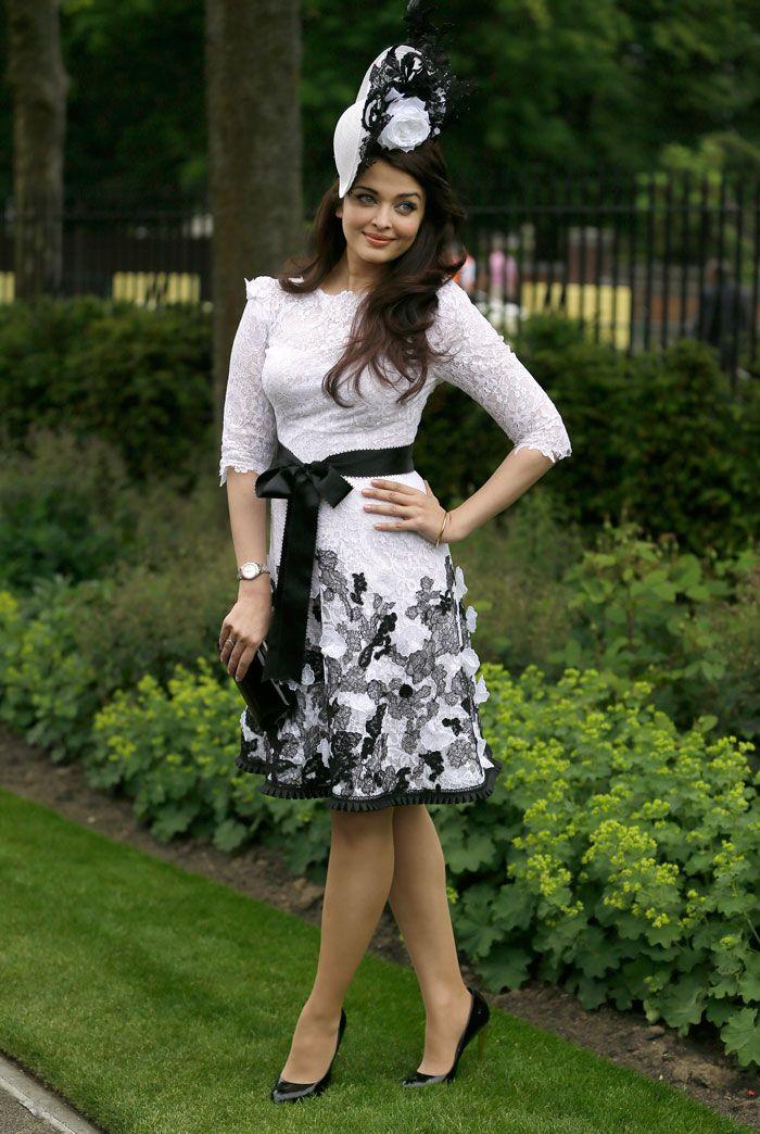 Pics: Aishwarya, an Indian rose at the Ascot races http://movies.ndtv.com/photos/ash-an-indian-rose-at-the-ascot-races-12939