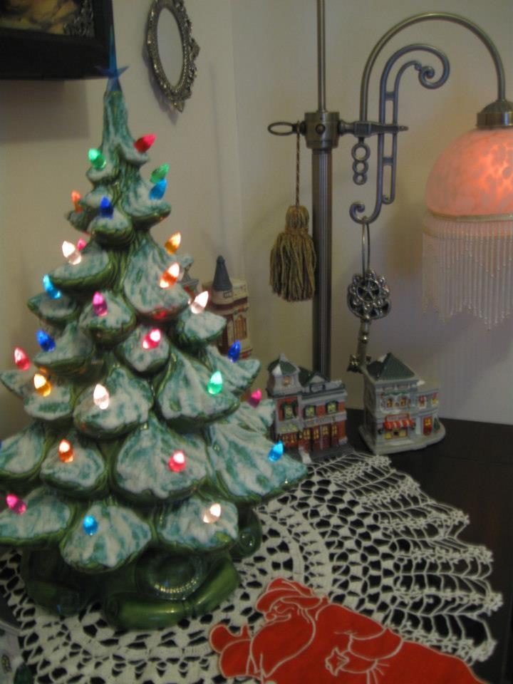 Victorian Christmas. Ceramic Christmas tree.