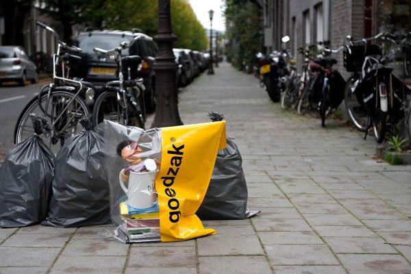 « Goedzak» , le sac qui favorise le réemploi entre voisins