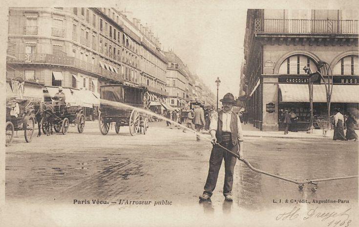 L'arroseur public... (vieille carte postale, vers 1900)
