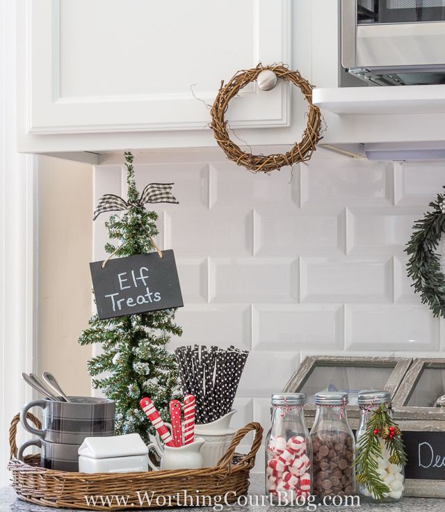 Best 25+ Farmhouse christmas kitchen ideas on Pinterest | Kitchen ...
