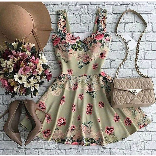Floral dress with high heels and a almost matching purse