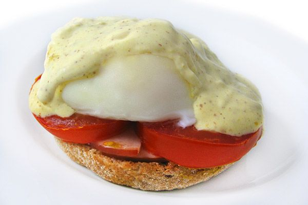Skinny Eggs Benedict...You bet with this skinny, beyond delicious recipe!!! Each serving has 204 calories, 9g fat and 5 Weight Watchers POINTS PLUS. http://www.skinnykitchen.com/recipes/skinny-eggs-benedict%E2%80%A8%E2%80%A8/