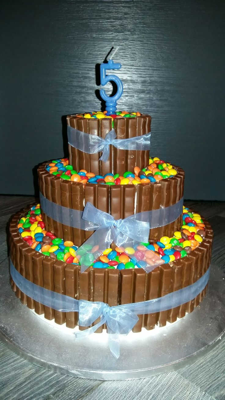Pi di 25 fantastiche idee su torta a 3 piani su pinterest for Piani di costruzione di appartamenti a 3 piani