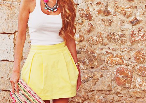 in love: Minis Skirts, Fashion, Summer Looks, Summer Style, Clothing, Yellow Skirts, Summer Outfits, Summer Skirts, Spring Outfits