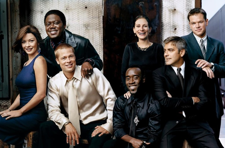 Catherine Zeta-Jones, Bernie Mac (1957-2008), Brad Pitt, Don Cheadle, Julia Roberts, George Clooney & Matt Damon - Cast of Ocean's Twelve (2004)