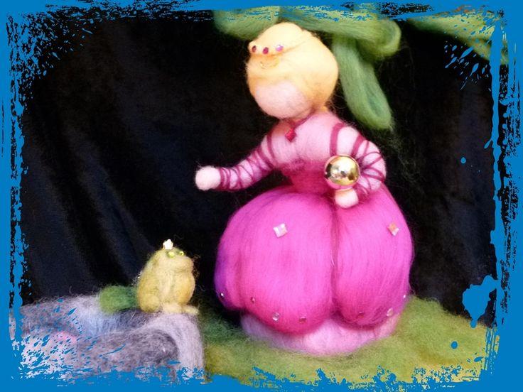 Prinzessin mit Froschkönig und Teich von Sandras Wunderland auf DaWanda.com