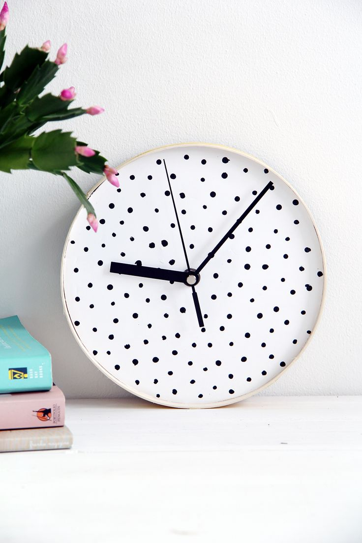Decorative bathroom wall clocks - The Diy Dotted Wall Clock Is One Way To Get Ahead Of The Hour