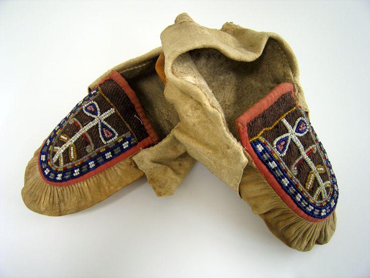 78 11 3 4 Iroquois Moccasins Iroquois Moccasins New York